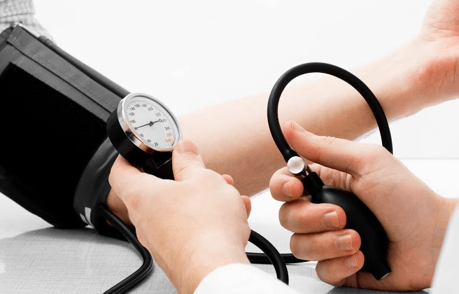 lower-blood-pressure-naturally-easily-at-home